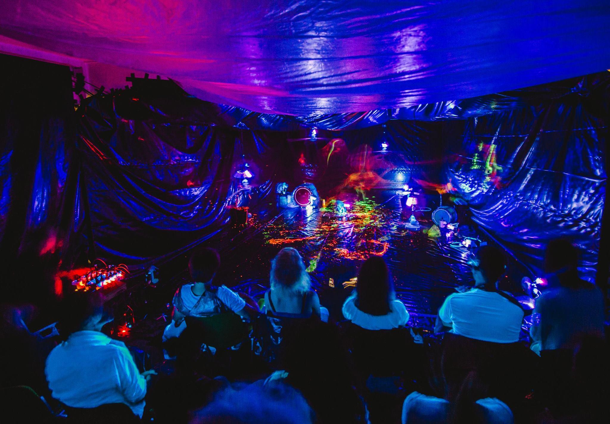DANCEPAINT MUSIC LICHTEN photo: Medien Malocher